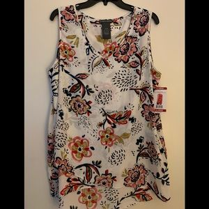 Women's fashion sleeveless floral blouse